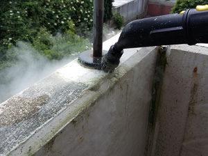 Rundbürste gegen Balkonschmutz